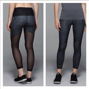 Lululemon running the city 7/8 tights size 10